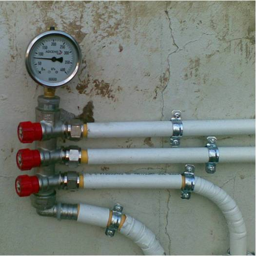gas pipe manifold and high pressure gas gage